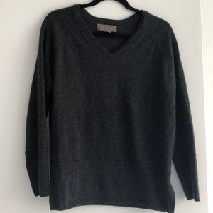 100% Cashmere Charcoal V Neck Sweater Size M